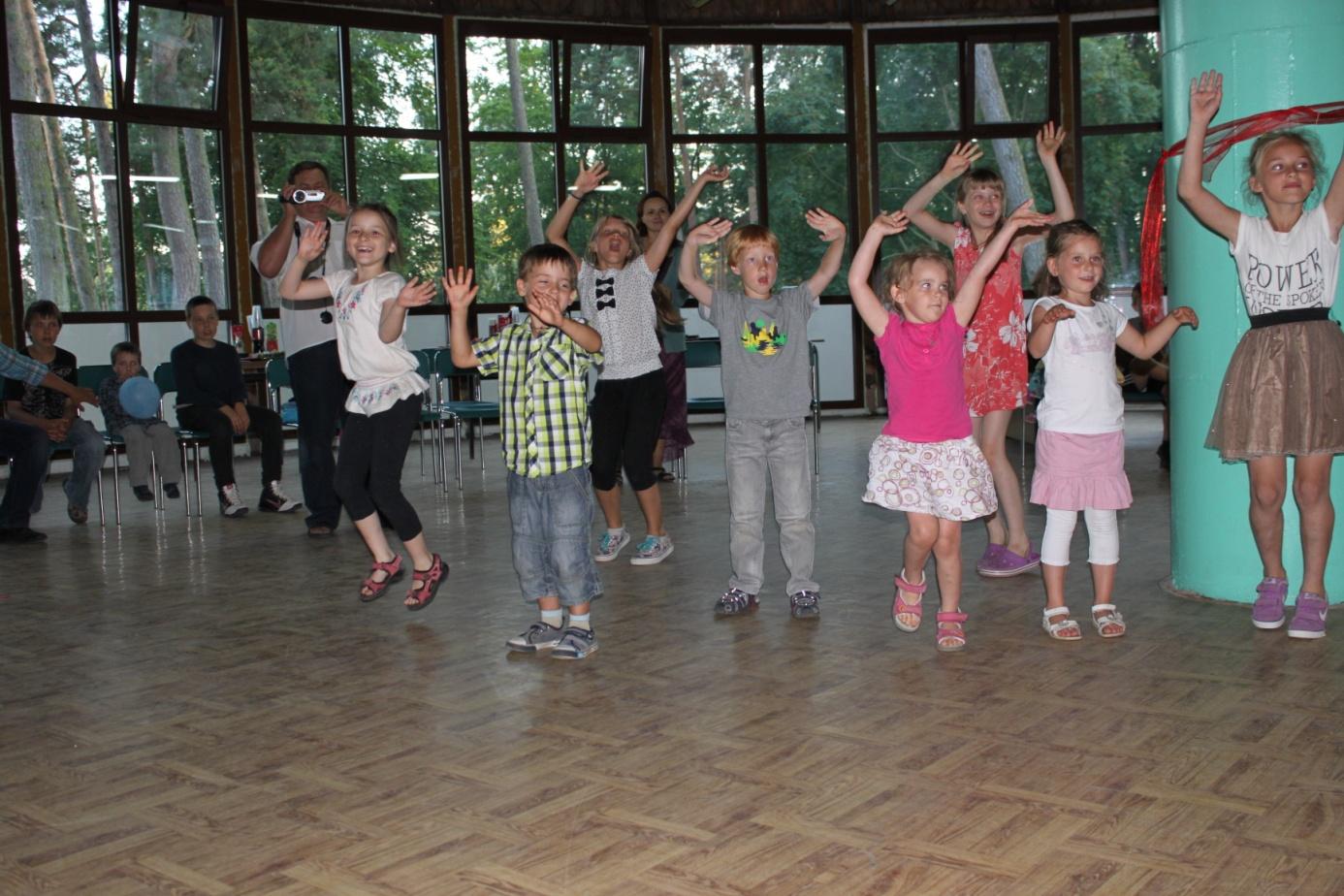 Tak tańczyły nasze dzieci na rekolekcjach – Mikoszewo 2014 r.